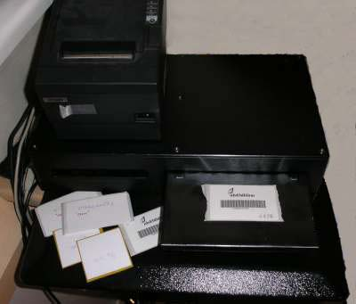 DVD/CD box opener / RFID
